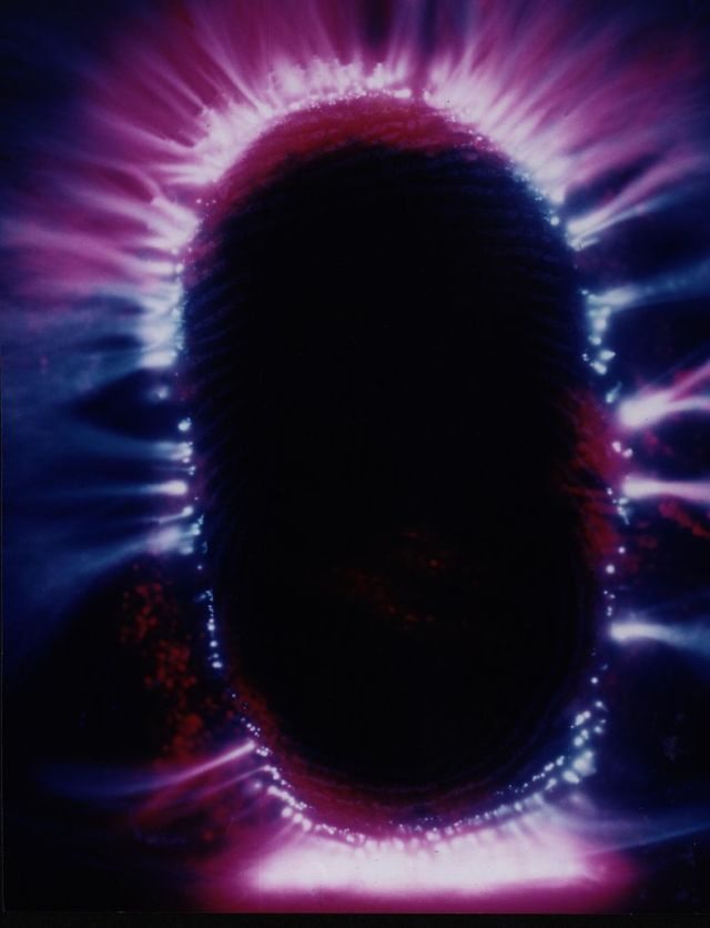 kirlian-fingertip-wikimedia-commons