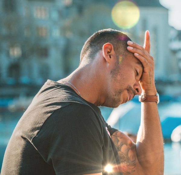 stress headache Pixabay w light